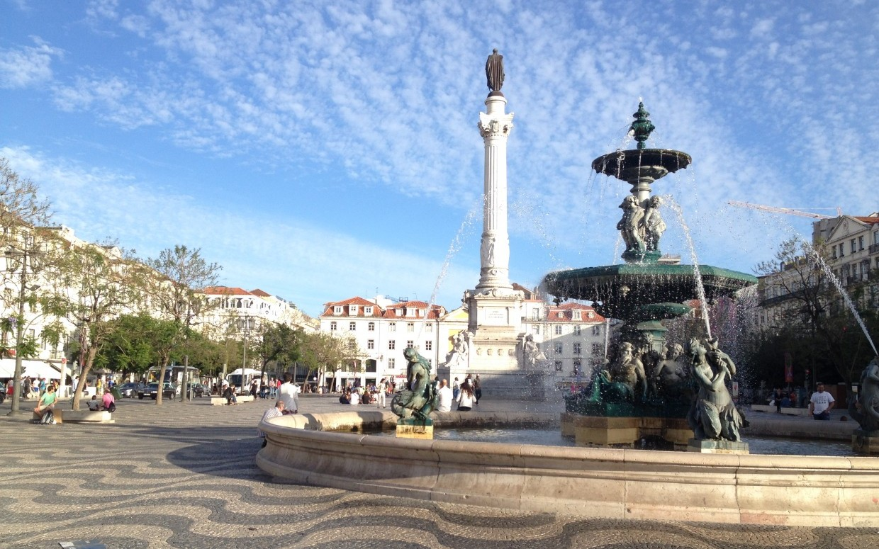 Square with fountain in central Lisbon