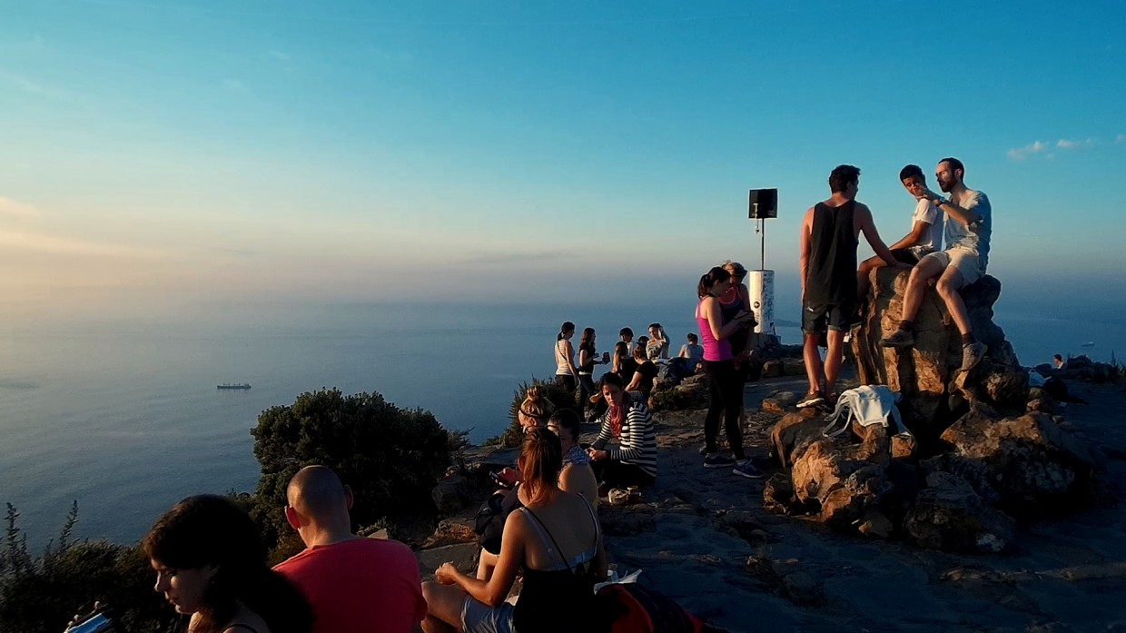 hiking lion s head in cape town non stop destination people on lions head