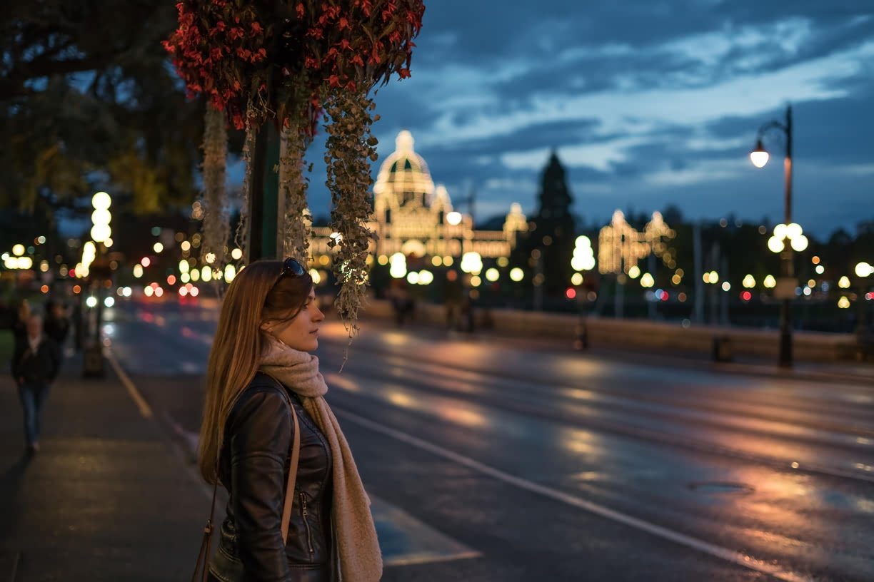 Luxury stay in the heart of victoria canada for Luxury stays